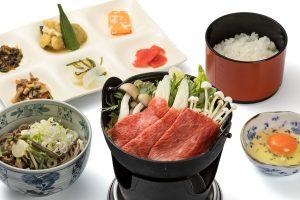 Sukiyaki hotpot-style Hida beef set