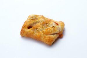 Tomato mozzarella pastry