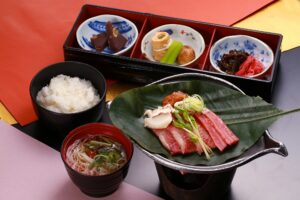 Hobamiso with grilled hida beef set meal