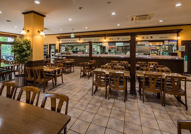 カフェ&レストラン「アルプスホルン」