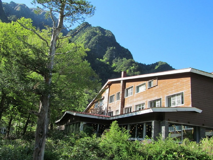 Bus Trip to Kamikochi and stay at Hotel Shirakabaso(Western Style Room)