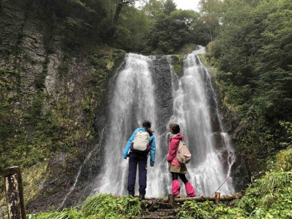 Goshikigahara Kutemikoshi-daki Falls Hiking